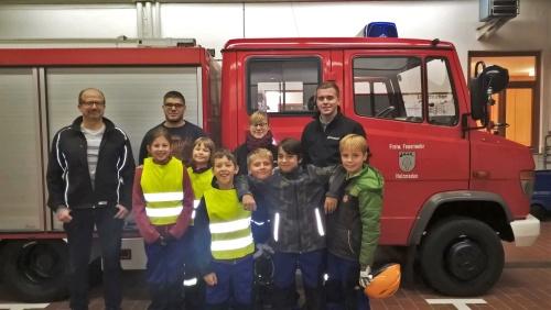 Die Feuerdrachen mit ihren Betreuern und unserem Kommandant Thomas Polster