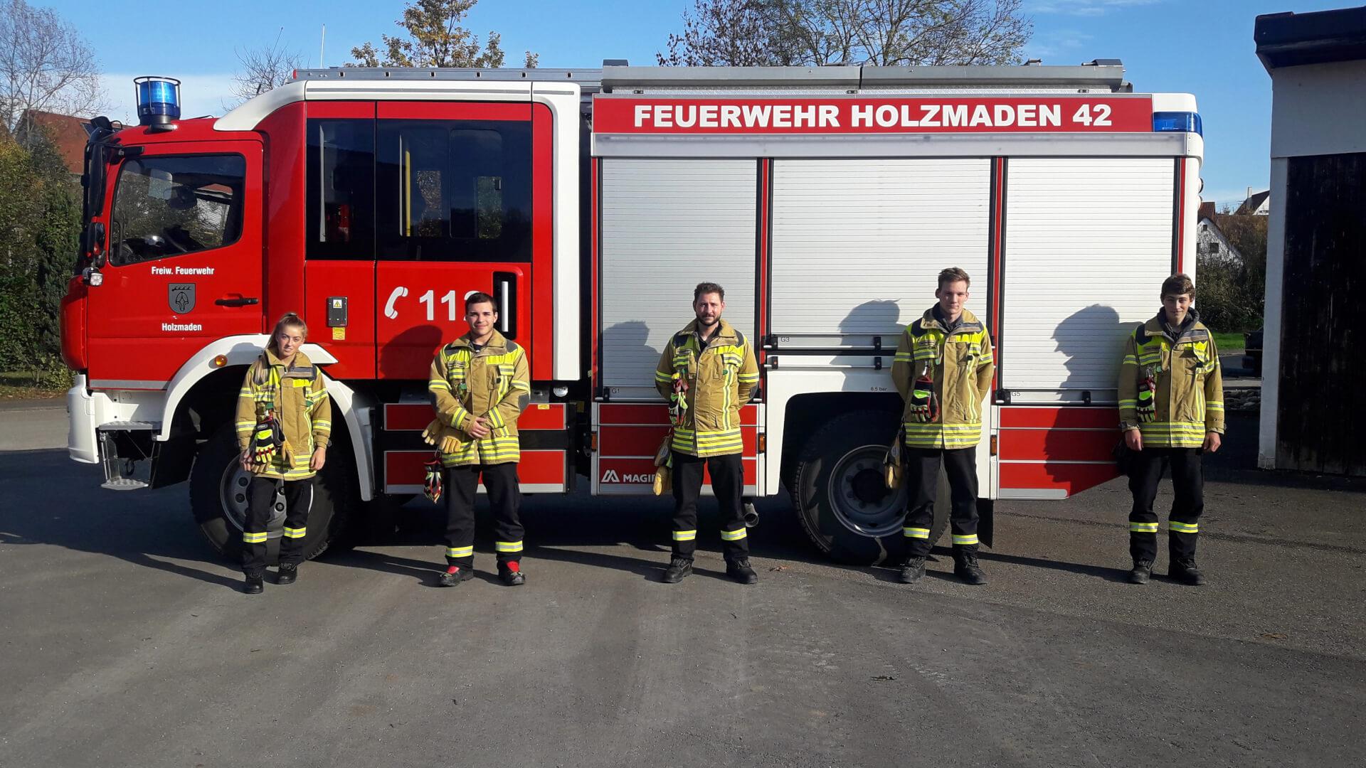 Lorena Polster, Alexander Scovazzo, Christian Schreyer, Paul Wössner und Linus Haußmann (v.l.n.r.) verstärken künftig die Einsatzabteilung.
